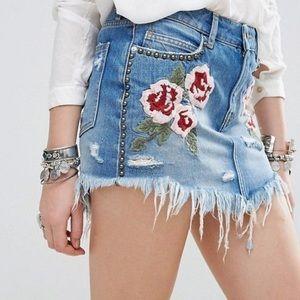 Free People Embroidered Distressed Denim Skirt 25